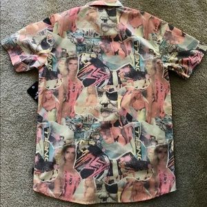 Collectible ONEILL Retro BABEWATCH Shirt N…